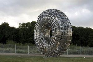 Tomas Medek, Uroboros, stainless steel